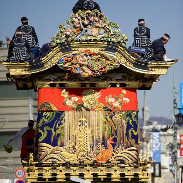 Japon, chichibu préfecture de Saitama , matsuri fête traditionnelle japonaise, 2 et 3 decembre à 300 ans, Chichibu  Yomatsuri, chart de 10 tonnes // Japan, chichibu Saitama Prefecture, matsuri on December 2 and 3 has a 300-year history, chart of 10 tons and decorated.