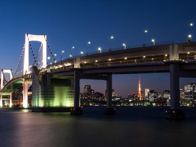 rainbow bridge tokyo credit photo Frédéric Georgens